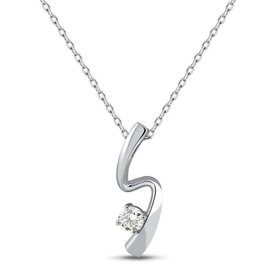 Diamond pendant photography