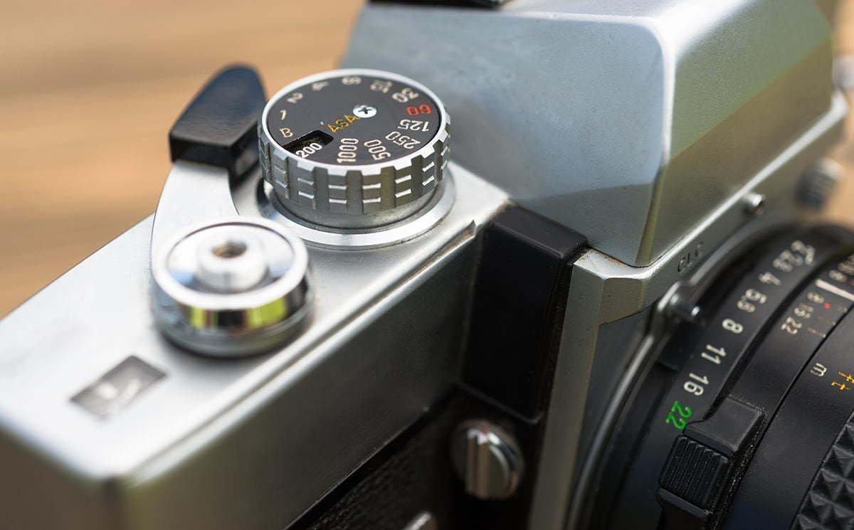 vintage manual focus 35mm slr camera wind lever ptg64wb