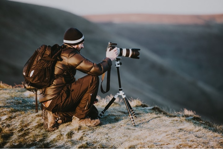 a_potographer_picture_with_a_camera